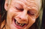 Andy Serkis caracterizado coma Gollum