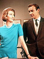 Lois Maxwell e Sean Connery